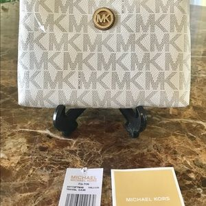 Michael Kors vanilla cosmetic bag NEW!